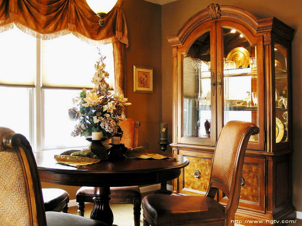 House decoration ideas tuscany dining for Tuscan dining room